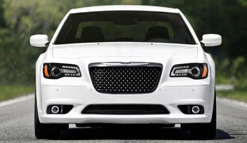 2012 Chrysler 300c SRT8 front.